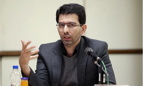 Dr. Akhavan